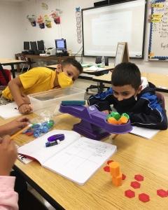 Qualitative vs Quantitative in Ms. Trigos 5th grade class!
